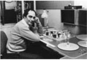 Werner Nold derrière sa Steenbeck à l'ONF en 1980.