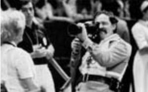Jean-Claude Labrecque filmant Les Jeux de la XXIe Olympiade (1977) de Labrecque, Jean Beaudin, Marcel Carrière et Georges Dufaux, monté par Werner Nold